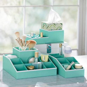 cosmetics-organizing-in-bathroom20-1