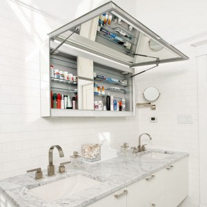 cosmetics-organizing-in-bathroom23-2