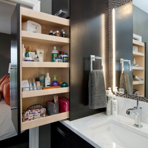 cosmetics-organizing-in-bathroom25-1