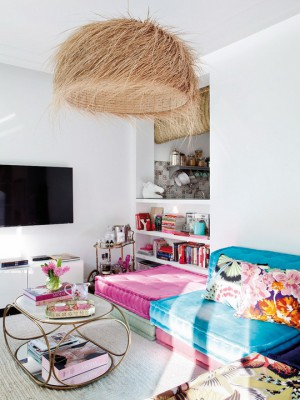 feminine-apartment-with-bright-accents10