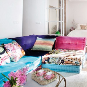 feminine-apartment-with-bright-accents6