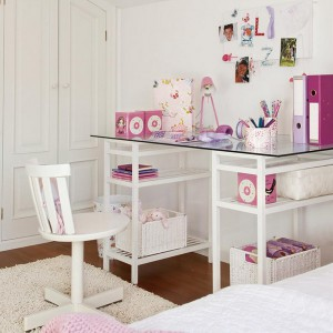 user-friendly-customized-desks-for-children2-2