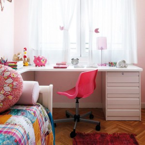 user-friendly-customized-desks-for-children9-2