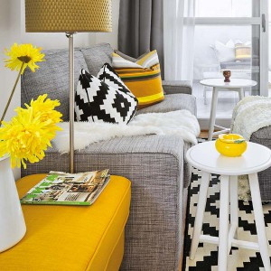 yellow-accents-in-spanish-home1-2