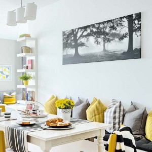 yellow-accents-in-spanish-home3-6