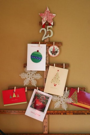 christmas-tree-made-of-holiday-cards1