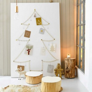 christmas-tree-made-of-holiday-cards6