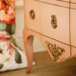10-reasons-to-choose-antique-chest-of-drawers2-1
