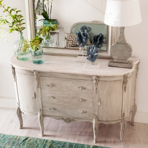 10-reasons-to-choose-antique-chest-of-drawers2-2