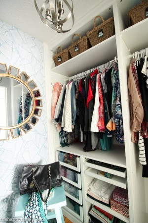 closet-makeover-with-ikea-pax-and-wallpaper4