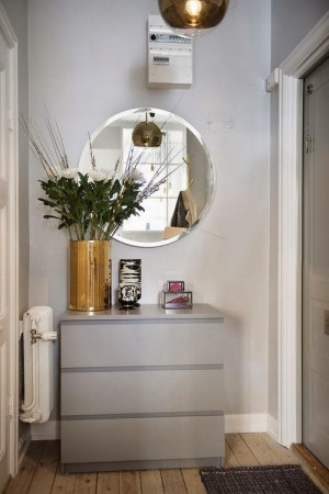 small-swedish-apartment-with-lamps-by-tom-dixon2