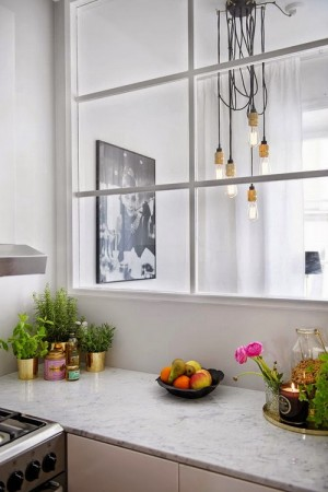 small-swedish-apartment-with-lamps-by-tom-dixon23