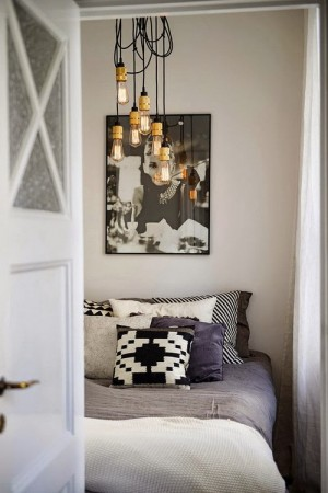 small-swedish-apartment-with-lamps-by-tom-dixon25