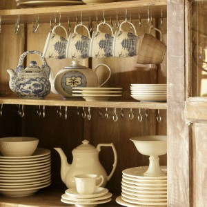12-secrets-of-vintage-cupboard6-1