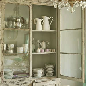 12-secrets-of-vintage-cupboard7-1