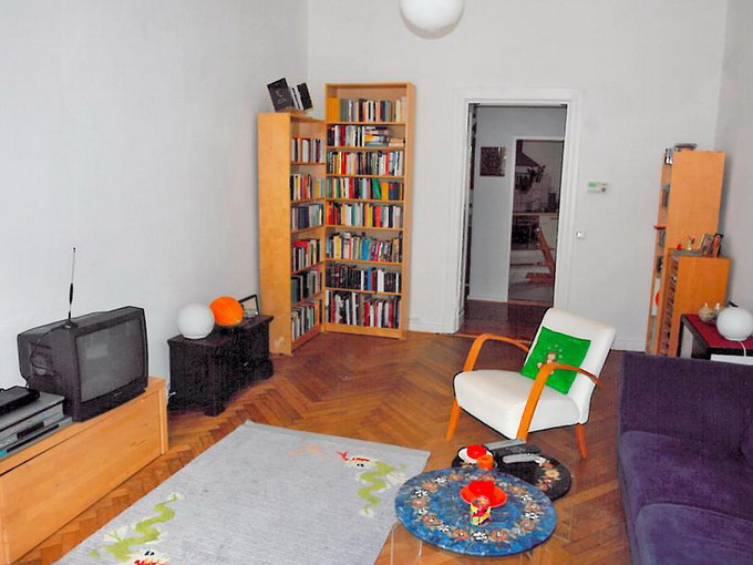 livingroom-update-by-ikea-furniture-issue4-before