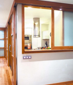 open-window-between-kitchen-and-diningroom4-1