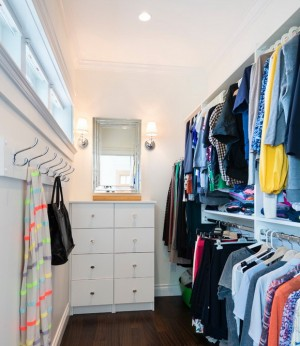 enlarge-tiny-wardrobe-10-ways4-1