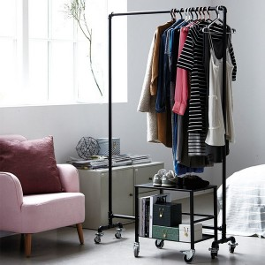 enlarge-tiny-wardrobe-10-ways9-1