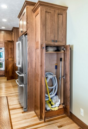 space-saving-broom-closets-ideas1-4