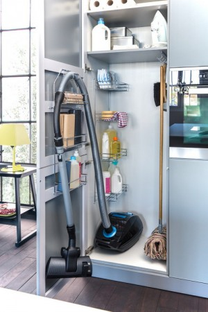space-saving-broom-closets-ideas10-1