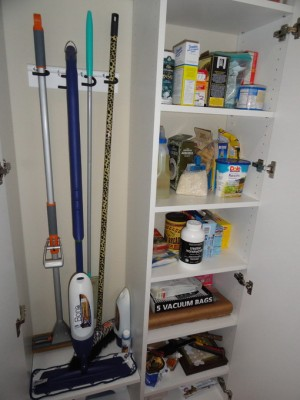 space-saving-broom-closets-ideas7-1