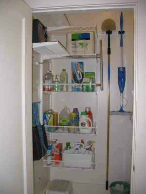 space-saving-broom-closets-ideas8-4