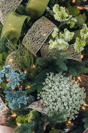 christmas-tree-in-bloom-decor2