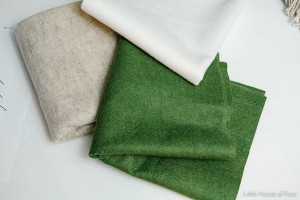 diy-tabletop-christmas-trees-from-felt1-mat2