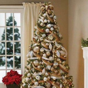 ribbon-on-christmas-tree-ideas5