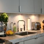3-kitchen-tours-in-feminine-techno1-2.jpg