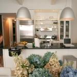 3-kitchen-tours-in-feminine-techno2-1.jpg