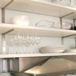 3-kitchen-tours-in-feminine-techno2-5.jpg
