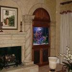 aquarium-in-traditional-home7.jpg