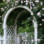 arbor-and-archway-in-garden1-4.jpg