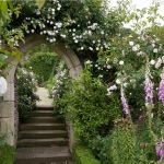 arbor-and-archway-in-garden3-13.jpg