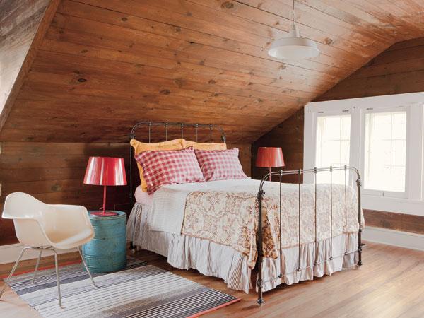 Гнездышко под крышей: как оформить спальню в мансарде, часть первая - 50...