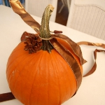 autumn-decor-to-one-porch-pumpkin3.jpg