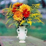 autumn-flowers-ideas-leaves-and-herbs1.jpg