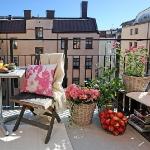balcony-flowers-ideas1-13.jpg