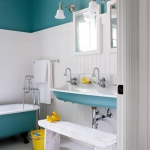 bathroom-in-blue-and-white6.jpg