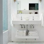 bathroom-towels-storage-ideas-under-sink1-3.jpg
