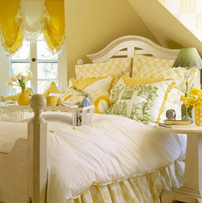 Yellow walls bedroom for Bedroom yellow walls