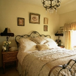 bedroom-yellow-walls11.jpg
