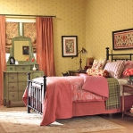 bedroom-yellow-walls19.jpg