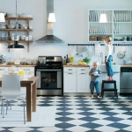 black-white-checkerboard-floors-tiles-in-kitchen4-4.jpg