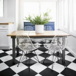 black-white-checkerboard-floors-tiles-in-kitchen4-5.jpg