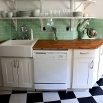 black-white-checkerboard-floors-tiles-in-kitchen8-5.jpg