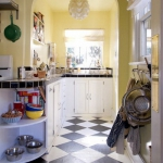 black-white-checkerboard-floors-tiles-in-small-kitchen5.jpg