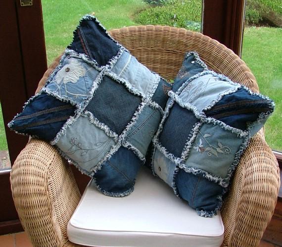 Вторая жизнь для старых джинсов своими руками